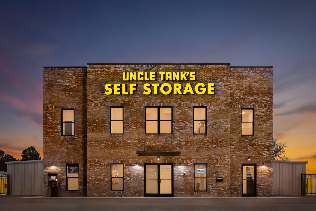 Uncle Tanks Self Storage Exterior Photo